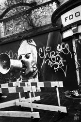 Cardiff, 2015, graffiti, revolte, mégaphone, Passage non obligé, grafitti, travaux photo